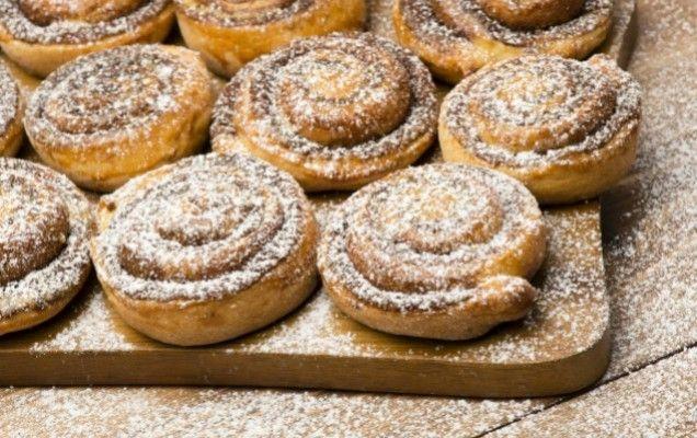 Γλυκά ρολάκια με κανέλα από ζύμη γιαουρτιού - iCookGreek