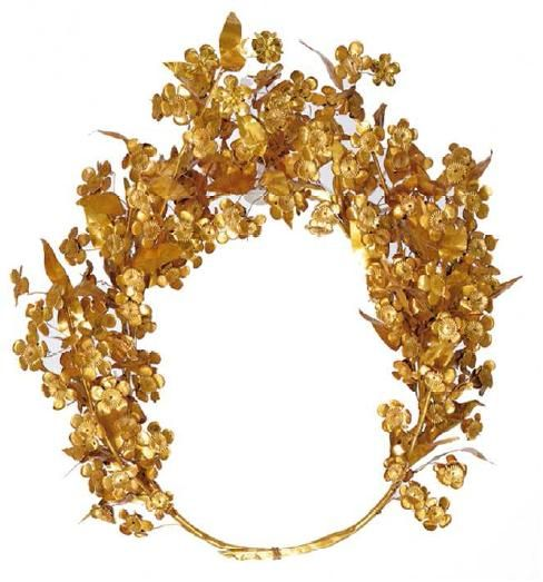 Meda's wreath from the tomb of Philip II  Gold, some 80 leaves and 112 flowers surviving, c. 310 BC