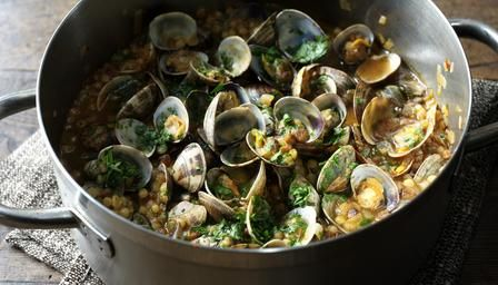 Nigela's Sardinian couscous with clams - 1kg clams + olive oil + shallot + garlic + chili flakes + tomato puree + chicken stock + vermouth/wine + fregola + parsley