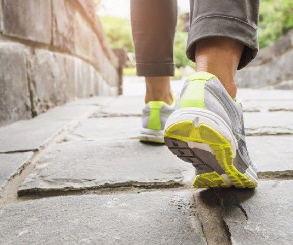 http://www.mindmegette.hu/Már napi 20 perc sétával is sokat tehetsz az egészségedért és a karcsúságodért, de ha a mozgást mértékletes táplálkozással is kombinálod, garantáltan megszabadulsz jó néhány pluszkilótól. Próbáld ki az alábbi módszert!