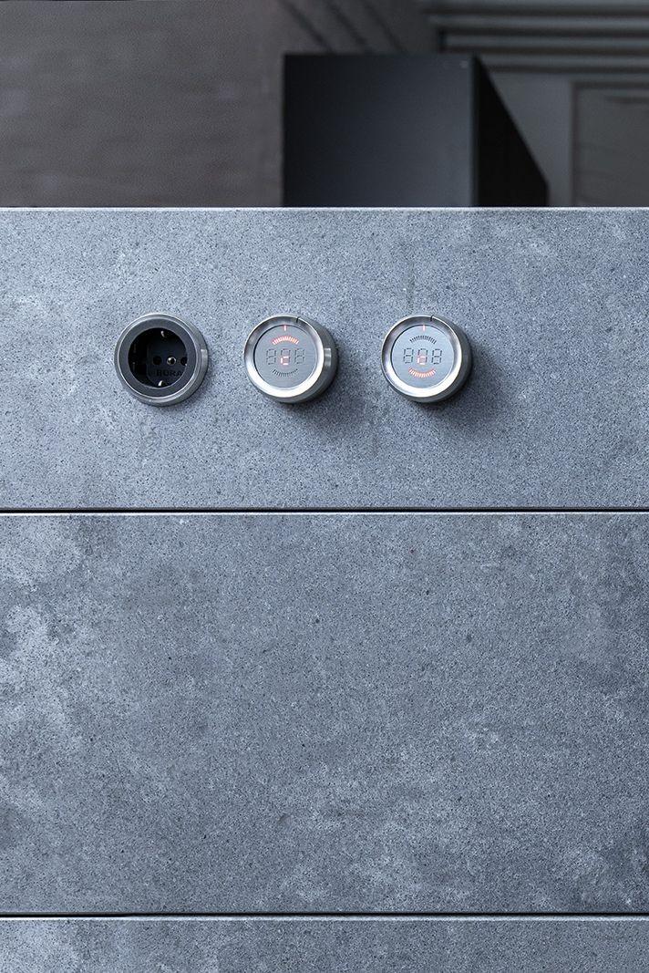 Klarheit Und Reduziertes Design In 2020 Arbeitsplatte Schwarz Kuche Schwarz Arbeitsplatte
