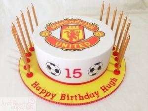 Manchester united theme cake