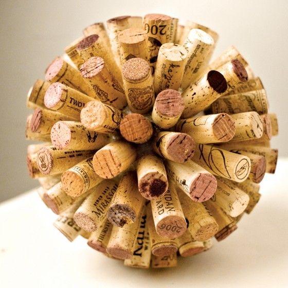 Bola decorativa hecha con Corchos de Vino <3