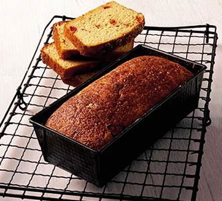 Gluten-free sundried tomato bread. A quick, gluten-free bread recipe - no need for yeast, ready in under an hour