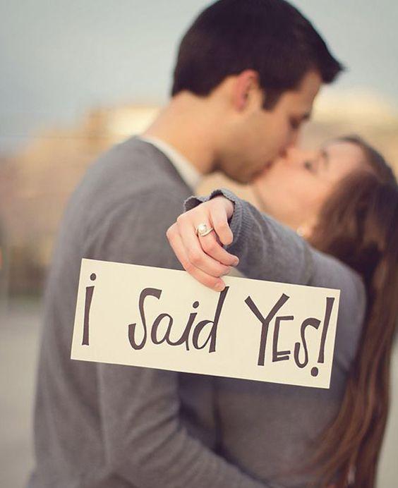 ¿Como piensas anunciar el compromiso a tu familia y amigos? Checa estas 24 ideas!!