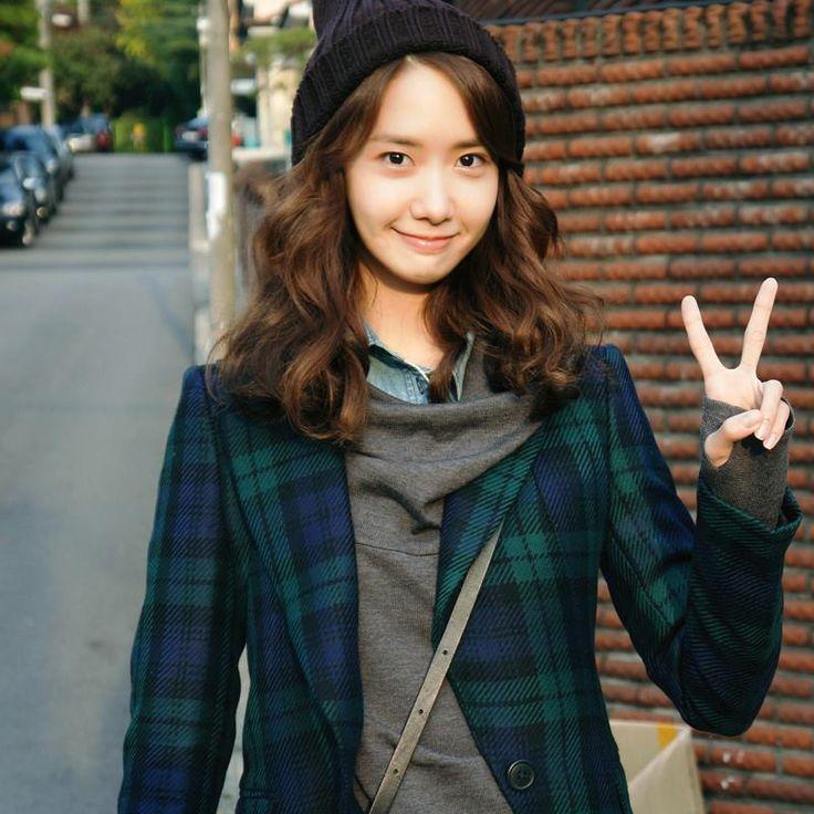 少女時代ユナ、『総理と私』の撮影中に台本を持って爽やかな笑顔を披露 KARAに夢中!  Ameba (アメーバ)