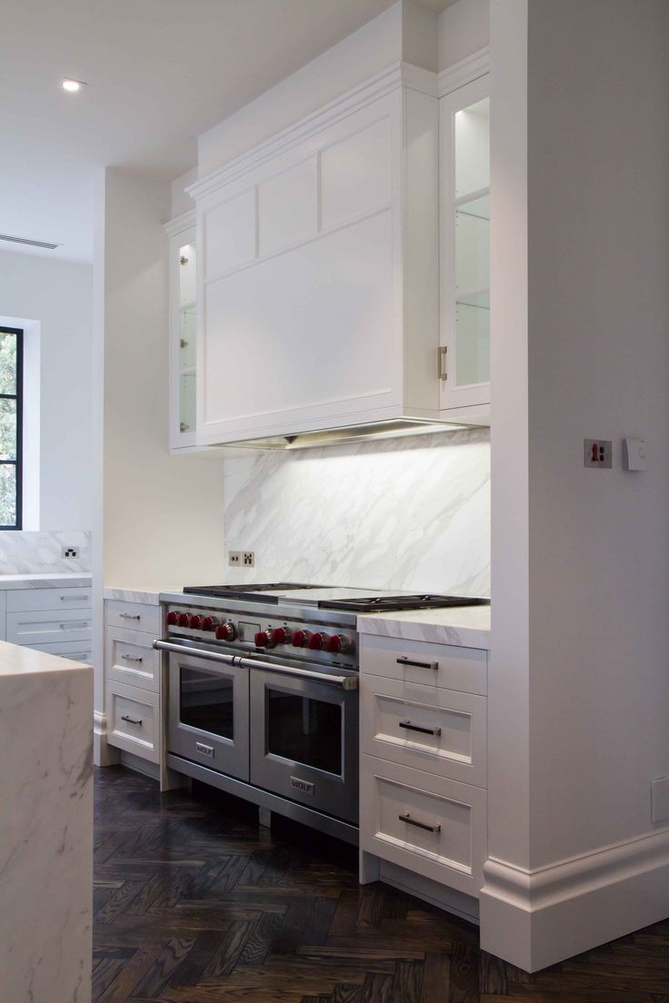 Large modern-traditional kitchen perfectly placed in Toorak. With marble benchtops and splashbacks, what's not to love?! www.thekitchendes... @thekitchen_designcentre