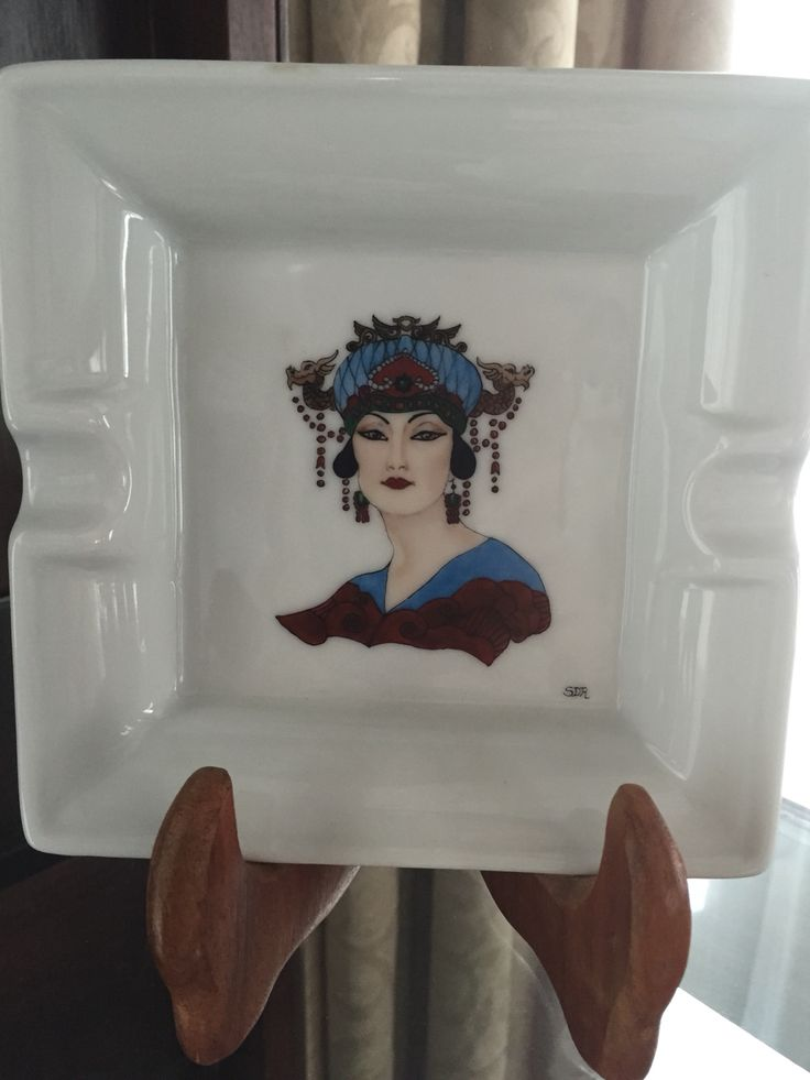 Turandot on limoges ashtray painted by Sabrina. Inspired by art deco opera poster.