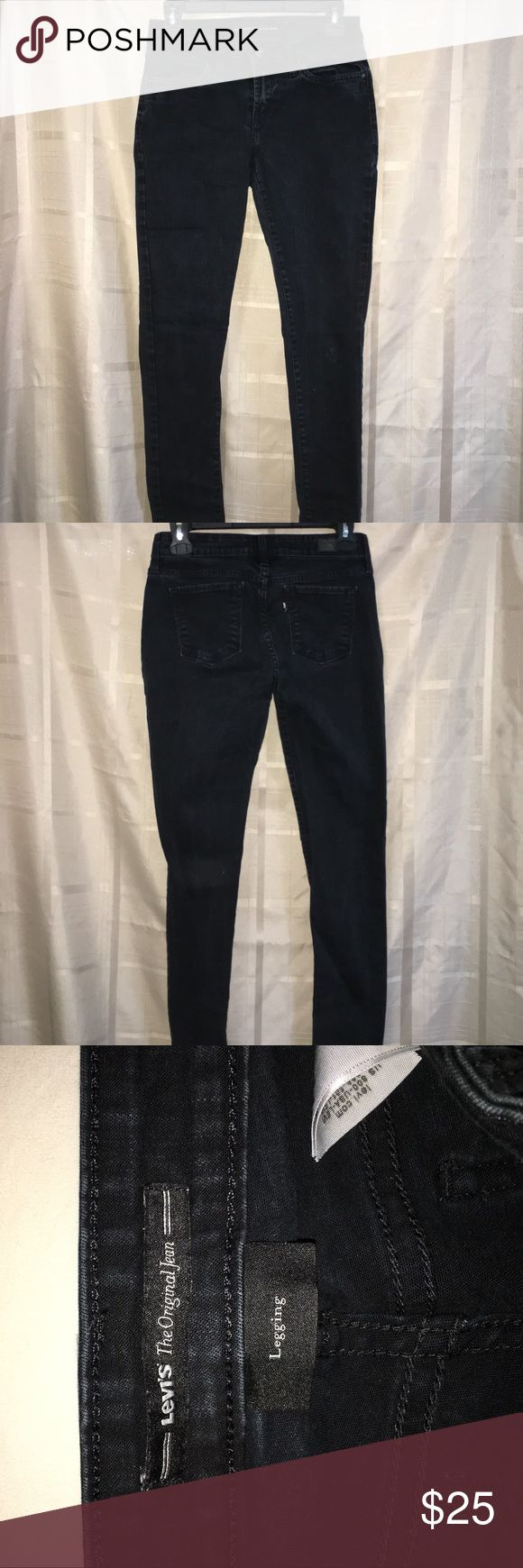 Black levi jeans Perfect to style with any kind of shirt, these are a size 4, and worn probably about 3 times! Levi's Jeans Skinny