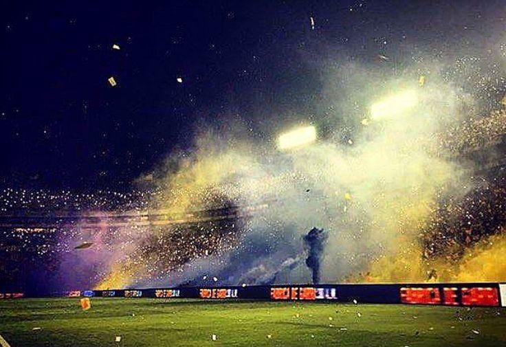 Recibimiento final de ida  Torneo de clausura 2017 Tigres vs. Chivas  Estadio Universitario