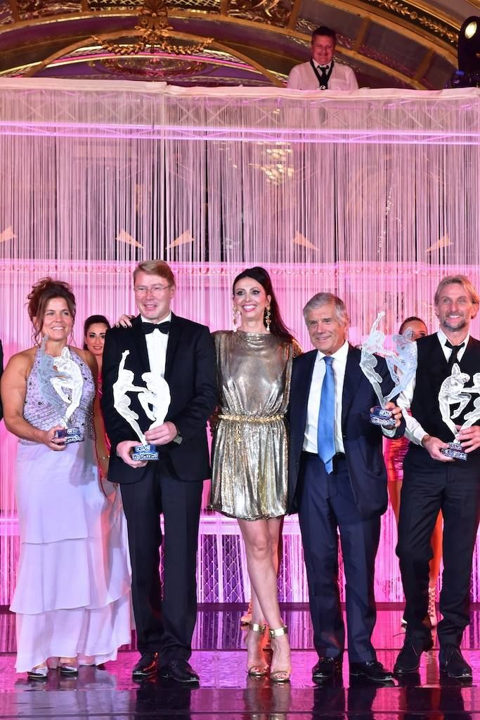 🇬🇧🇺🇸🇲🇨 Pernilla Wiberg Mika Häkkinen Giacomo Agostini and Carl Fogarty with their @monacowsla 2016, The Oscars of Sport, with our Master of Ceremony @LorenaBaricalla. Salle Empire, Hôtel de Paris Monte-Carlo Lorena Baricalla Dress Suit : Gianni Versace Private Collection Shoes : @duccioventuri Bottier Jewels : @marinacorazziari Hair Style : Daniele Rao Parrucchieri Make Up : Glamor Mariage PromoArt MonteCarlo Production @montecarlosbm @visitmonaco @versaceofficial Tony Caravano #wsla16…