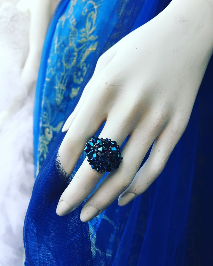 #ring #swarovski #metallicblue #instafashion #instagood #preciousmoments #fashion #fashiondesign #luxury #luxurious #luxuryaccessories #handmade #handmadejewellery #royalblue #swarovskibeads #inel #inelswarovski #margo #margoconcept #brasov #albastru #cristale #margele