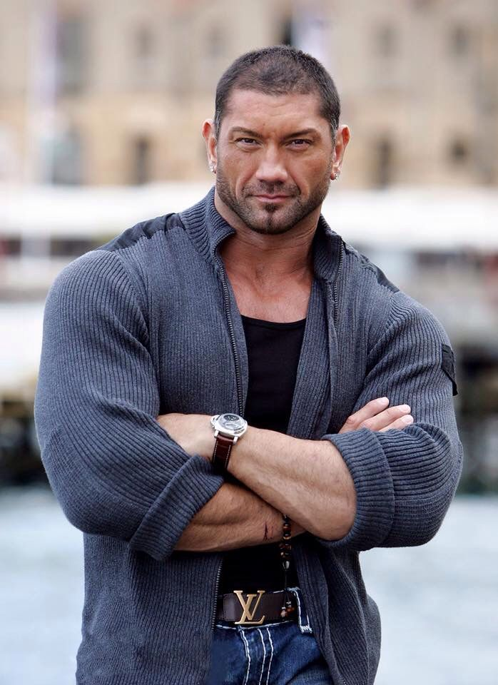 David Michael Bautista, Jr., plus connu sous le nom de Batista (né le 18 janvier 1969 à Washington D.C), est un acteur, ancien pratiquant de combat libre et catcheur américain