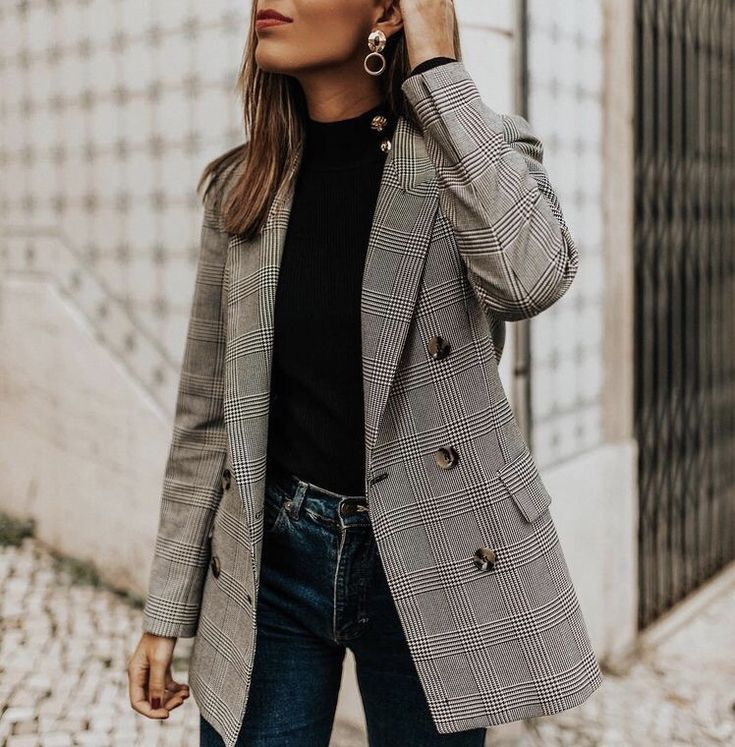 So classic, easy to combine with a turtleneck. Looks great on any size. An outf