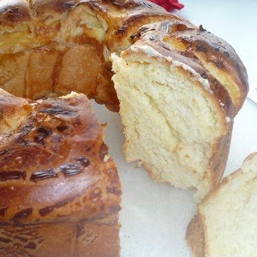 Hefekranz mit Quarkfüllung Rezept | Küchengötter