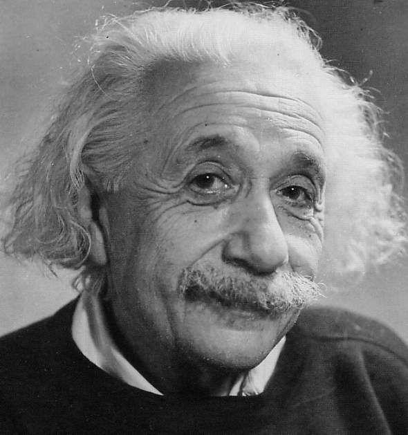 """Albert Einstein:""""Temo el día en que la tecnologíasobrepase nuestra humanidad elmundo solo tendrá unageneración de idiotizados""""Totalmente de acuerdo.Marcial R. Cand…"""