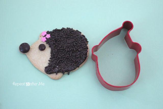 Repeat Crafter Me: Hedgehog Sugar Cookies