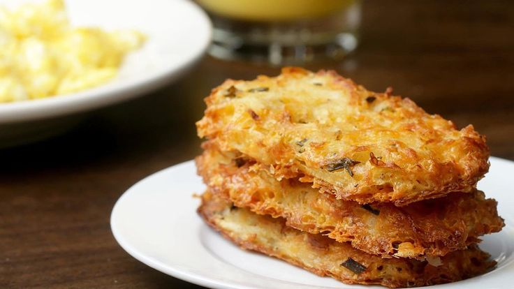 Cheesy Baked Hash Brown PattiesServes: 9INGREDIENTS4 red potatoes½ cup butter, melted1 cup cheddar cheese, shredded2 eggs, whisked¼ cup chives, chopped1 tablespoon garlic salt1 teaspoon oregano½ teaspoon pepperPREPARATIONPreheat oven to 400°F/200˚C.Peel