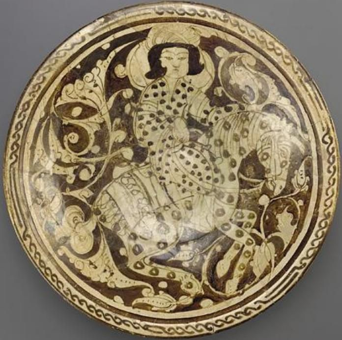 Saljuq Dish with horseman, late 12th to early 13th century.