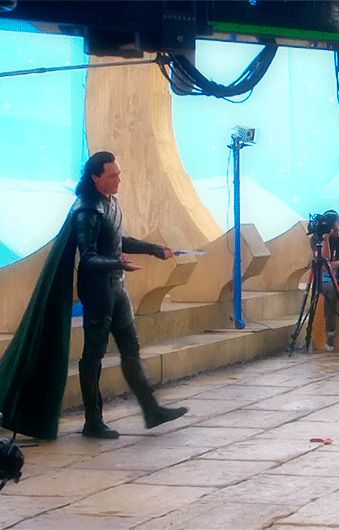 #TomHiddleston, #Loki - #ThorRagnarok behind the scenes (http://www.eonline.com/news/912047/go-behind-the-scenes-of-thor-ragnarok-with-cate-blanchett )