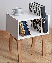 Bàn trà nhỏ để sách