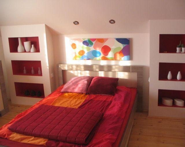Jugendzimmer ideen deko maedchen dachschraege rot for Pinterest jugendzimmer deko