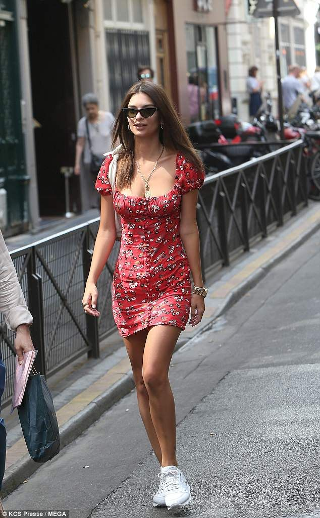 e99540fd8003f American tourist: Blurred Lines video vixen Emily Ratajkowski flaunted her  famous 5ft7in f... #emilyratajkowski #models