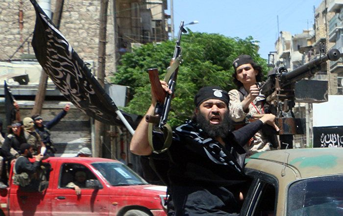A spokesman for the Pentagon has confirmed that Syrian rebel fighters trained by the United States provided ammunition and equipment to an al-Qaeda-linked group.