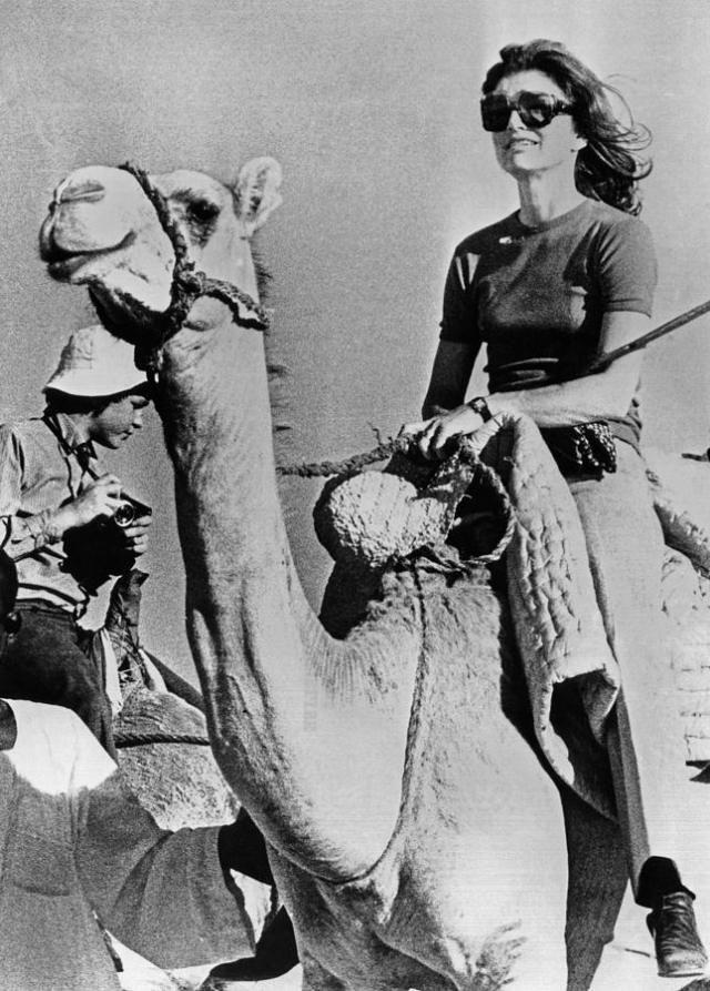 EVGENIA GL IN EGYPT jacqueline-kennedy-onassis-riding-everett