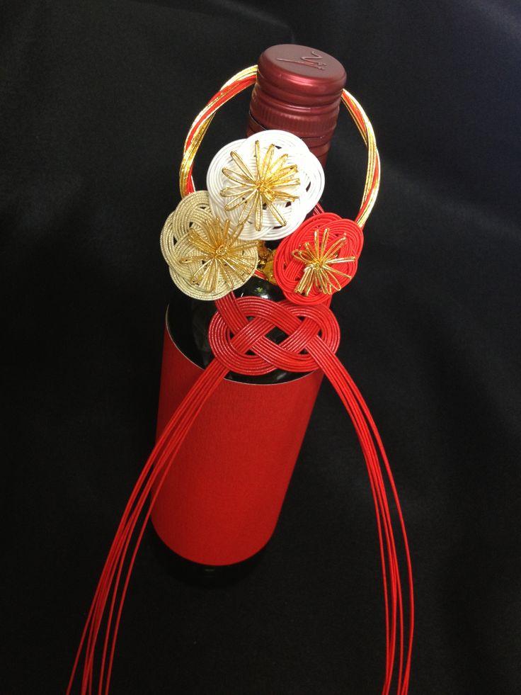 Wine decoration by Hakata Mizuhiki. #japan #mizuhiki #wedding #yuino#fukuoka#hakata