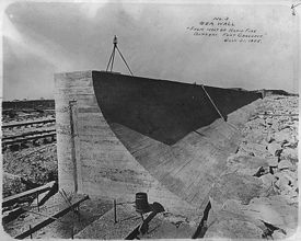 Construction of the new Seawall after the devastating 1900 Galveston hurricane - Wikipedia