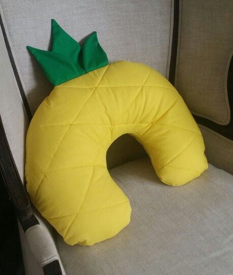 DIY pineapple boppy cover