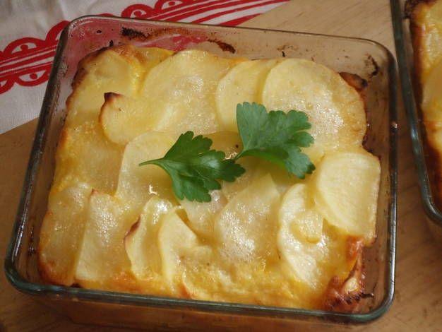 Pastel de salmón y patatas al horno