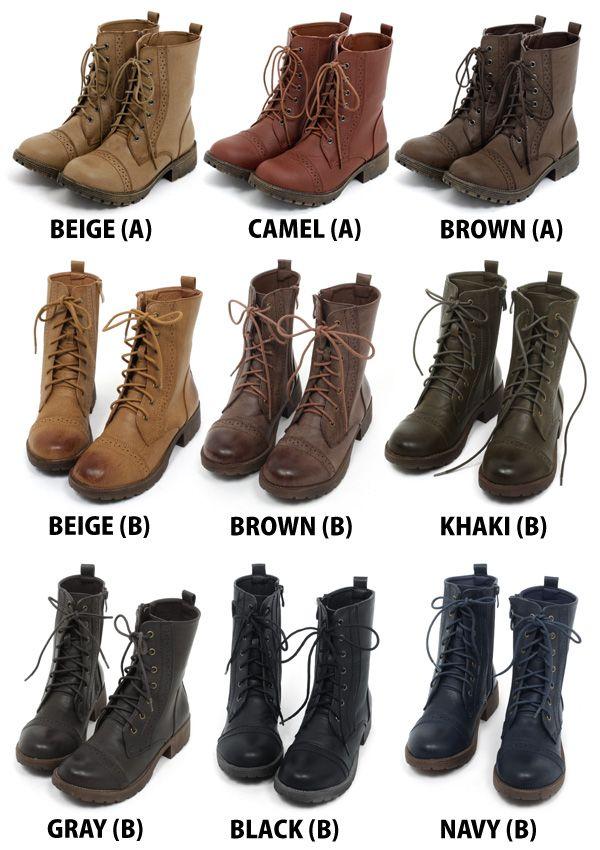 O uso das botas é bem comum no estilo Mori girl, aqui temos uma delas nas cores mais usadas.