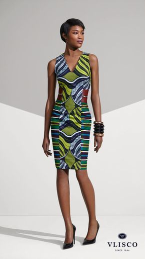 FITTED VLISCO DRESS | Achieve an outspoken style by allowing the print to do all the talking. Accenting with leather is not only super-flattering, but is empowering too. | Vlisco - The True Original | #vlisco #thetrueoriginal #dutchwax #waxhollandais #waxhollandis #ankara #ankarastyle #africanprint #africanprintfashion #africanfashion