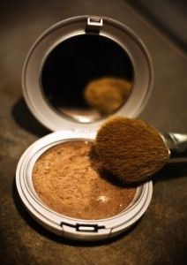 DIY bronzer: mix cornstarch, cinnamon, cocoa, and nutmeg until desired shade. Natural and great for your skin.  Say WHAT???