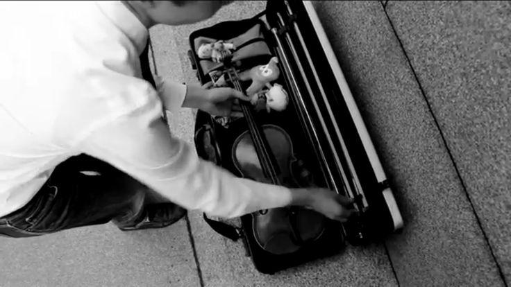 His violin case omjamie