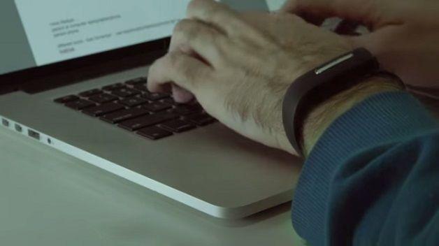 Startup cria pulseira que usa batimentos cardíacos para substituir senhas http://www.hypeness.com.br/2014/12/startup-cria-pulseira-que-usa-batimentos-cardiacos-para-substituir-senhas/