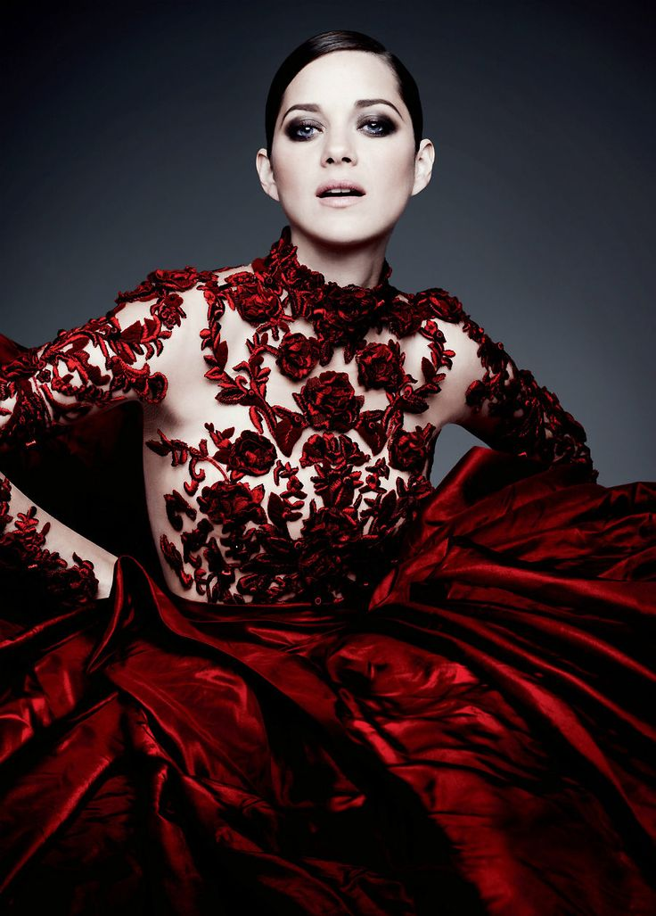 Marion Cotillard ( Totes & Lace Dresses )