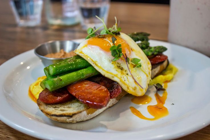 Hylin: creamed corn, chorizo, asparagus and fried egg with chipotle sauce