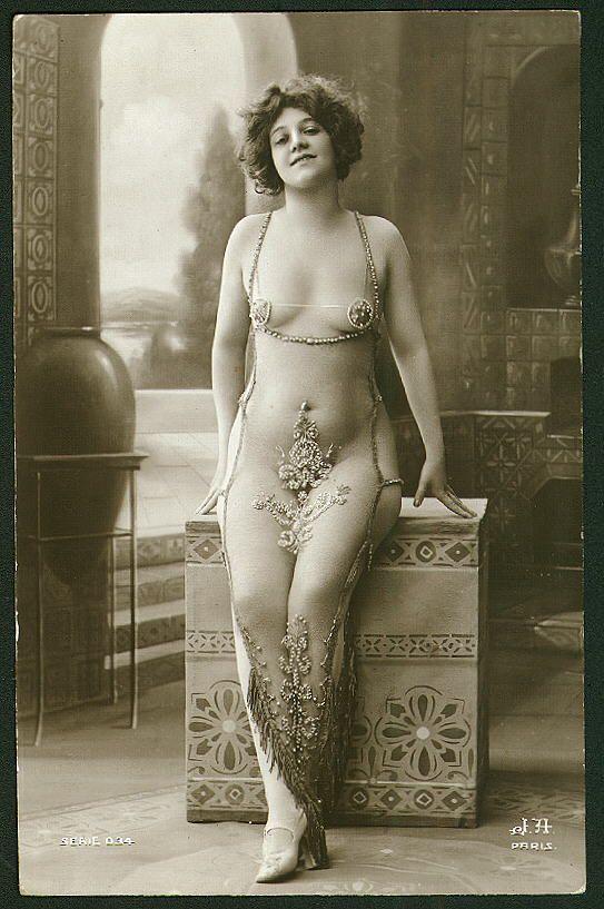 Vintage French Postcard | #Paris #France #20s  #Erotic #Vintage #Retro #Souvenir