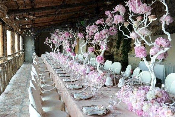 Tavolo imperiale fresco e profumato come un giardino in primavera   Cira Lombardo Wedding Planner