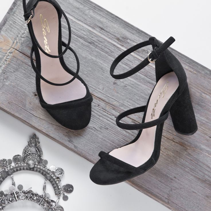 Black shines #SanteWorld #SS17 Shop #SALES in stores (SKU-95611): www.santeshoes.com