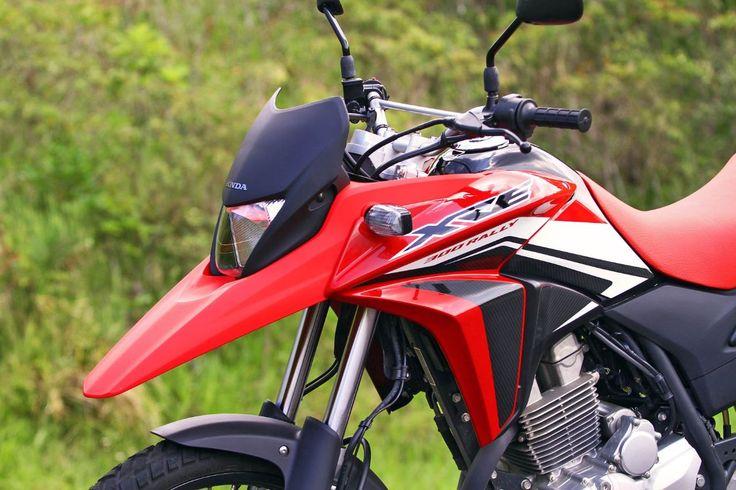 Mais versátil, Honda XRE 300 supera CB 300R em vendas