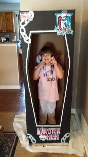 childrens monster high photo booth great for party decorations too