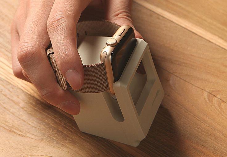 elago-channels-a-retro-macintosh-for-this-apple-watch-stand-designboom-02