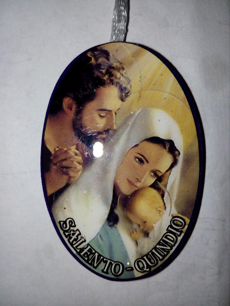 Imagen de la Sagrada Famila en un llavero (Salento Quindío noviembre de 2016).  Viajamos con Otilia y Gonzalo.