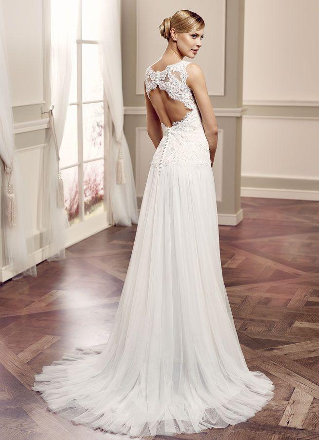 Solea, een mooie kanten rug met een soepelvallende rok van soft tule van Modeca