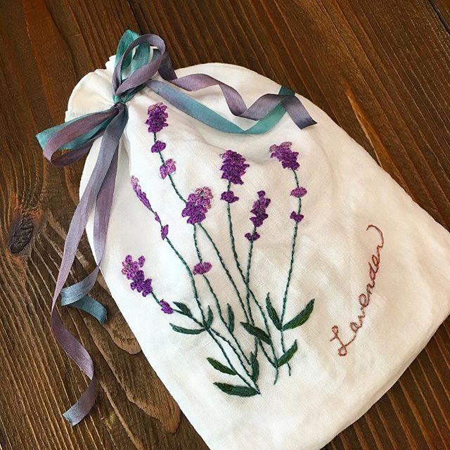 -2016/07/16 새하얀 린넨위에 수 놓은 라벤다 스트링 파우치 ... . . . . . By Alley's home #embroidery#stitch#knitting#crochet#crossstitch#handmade#homemade#homedecor#needlework#antique#vintage#pottery#flower##ribbonembroidery#프랑스자수#진해프랑스자수#창원프랑스자수#리본자수#프랑스자수스티치북#자수파우치#자수티매트#자수티코지#자수브로치#자수코사지#진해이동앨리홈#자수소품#손자수#라벤다#진해창원자수수업