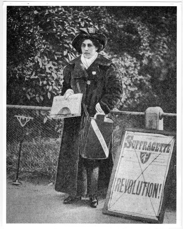 Sophia Duleep Singh on her pitch outside Hampton Court Palace(c) The National Archives